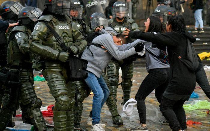 REPRESIÓN EN COLOMBIA DEJA SALDO DE OTRO FALLECIDO