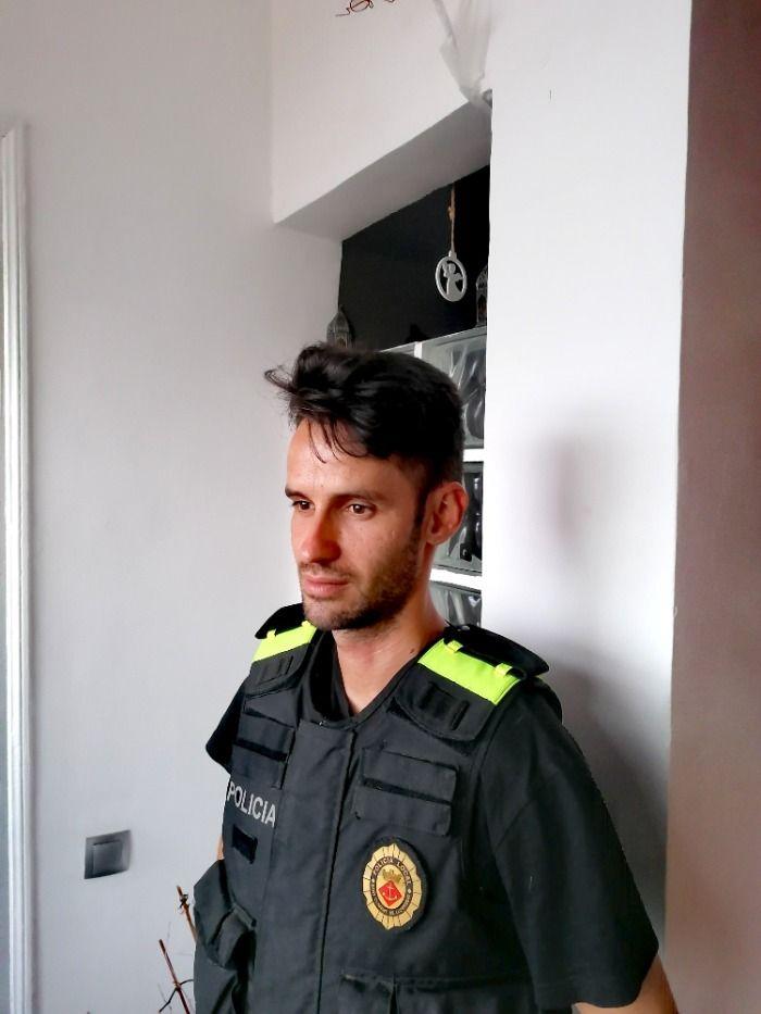 Agente de Policia Local crea furor en redes sociales.