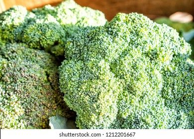 Forscher fanden heraus dass das zu häufige Essen von Brokkoli zu einer Verfärbung der Nägel führt.